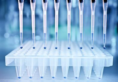 癌症治療不再「亂槍打鳥」!強化精準醫療,要價高昂基因定序擬納健保給付