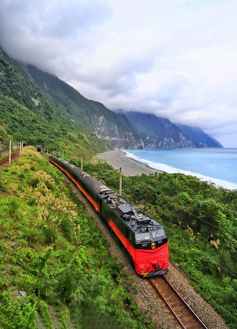 圖說:「鳴日號」觀光列車吹起美學改革的號角。(攝影:林佳燕)