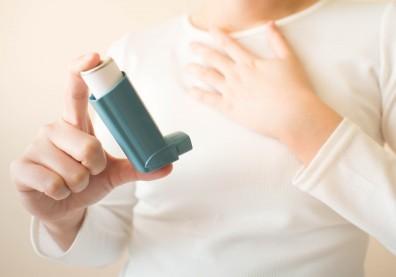 氣喘患者停止類固醇治療並非不可能!避免反覆發作,停用前有7件事要注意