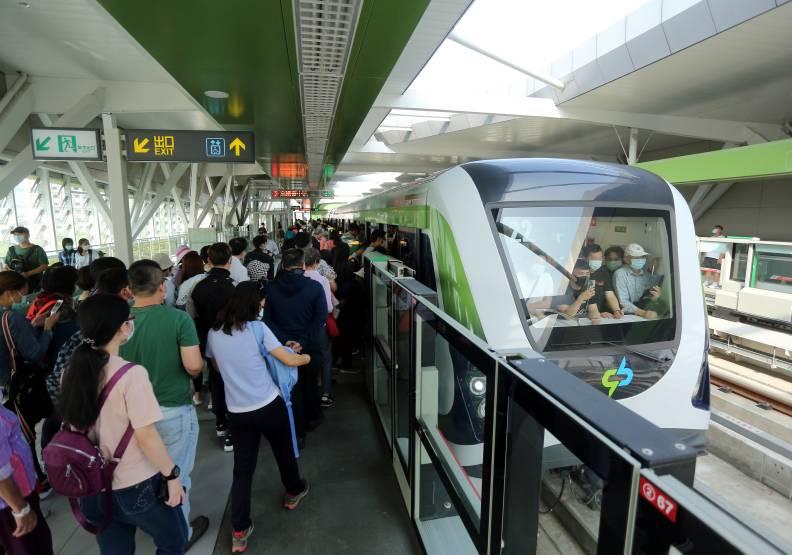 中部民眾苦等11年盼到捷運,希望還能一路拓展出更多的路線。