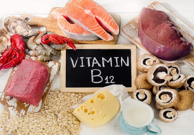 孕婦攝取維生素B12,日常可由魚、貝類、紅肉、蛋、奶等動物性食物取得,素食者可透過吃紫菜、海帶、糙米來補充。僅為情境配圖,取自shutterstock。
