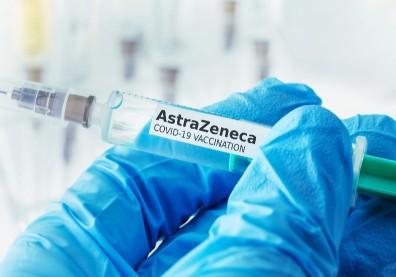 公費AZ疫苗施打對象再放寬!5月10日起開放軍人及65歲以上長者接種