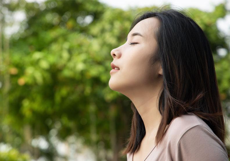 幫大腦重新開機!健康長壽祕訣關鍵在四個字,醫師教你慢呼吸