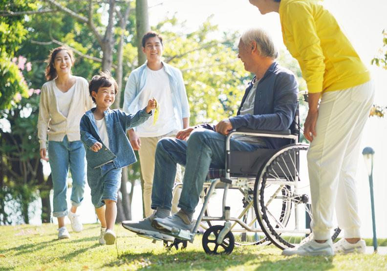 高齡照護知識應是全民教育!多一分了解,就能少一分遺憾