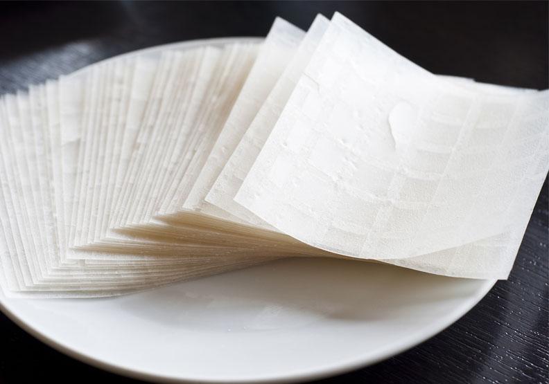 可食用包裝材料新發現!牛奶蛋白可塑性高、還能補充營養,未來發展挑戰是?