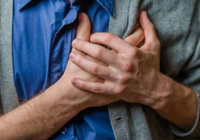 心臟停止73分鐘!一位急性心肌梗塞患者,住進ICU換心續命的過程…