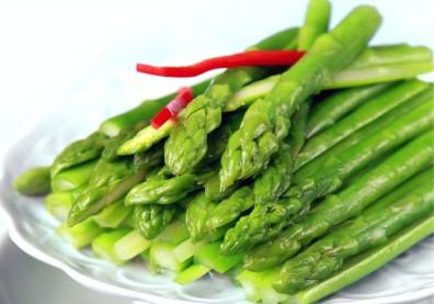 「蔬菜之王」蘆筍不只高C、高纖,還能抗氧化!三撇步挑出新鮮美味