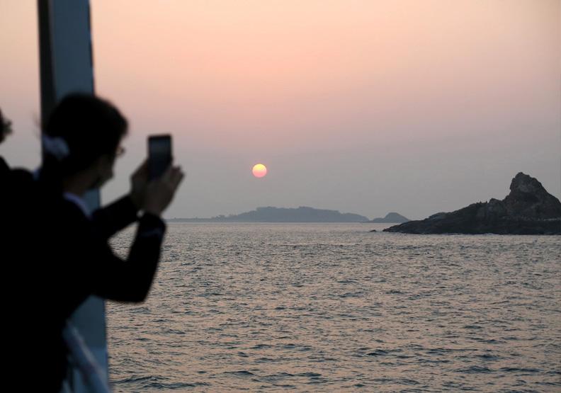 初日號啟航,希望闖出金門觀光的新未來。張智傑攝。