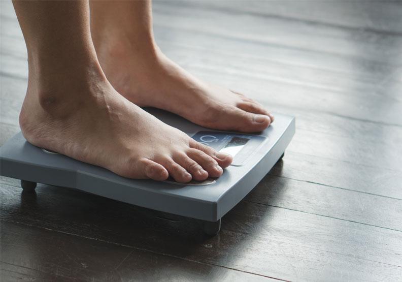 體重過重血管慢性發炎,主動脈剝離、截肢風險倍增!出現這些症狀要小心