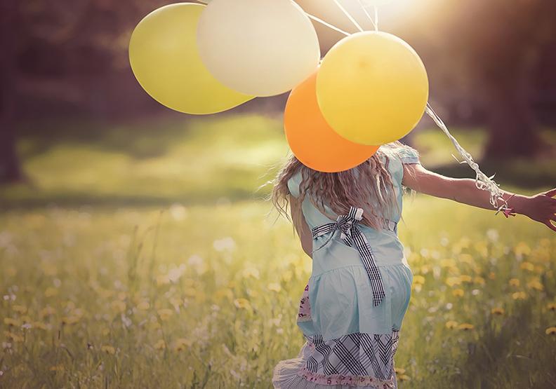 不只快樂,還要更幸褔!心理學家研究:每個人都能實現的13種幸福來源