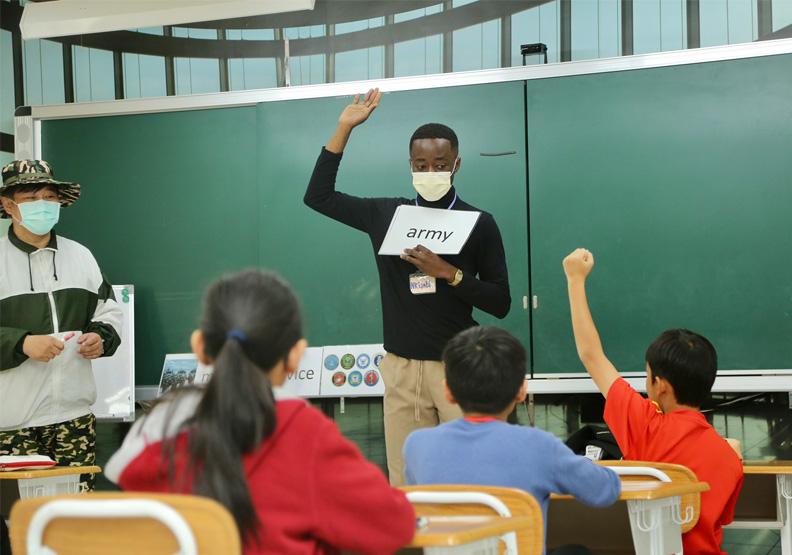 2030雙語國家如何實現?金門砸錢聘外師改革英語教育!