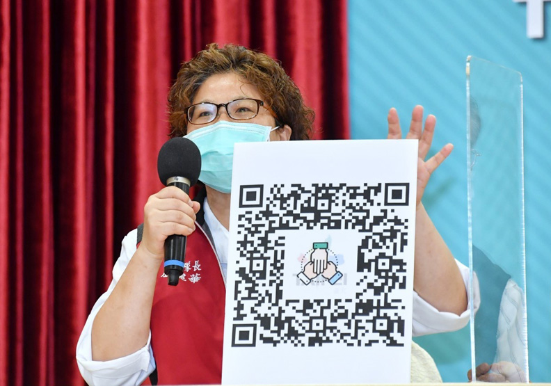 健康關懷天使副大隊長為退休護理師盧麗華,台北市政府提供。