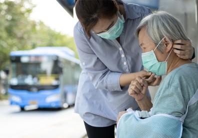 失智者、長輩外出不戴口罩怎麼辦?專家:試試這六招能幫忙