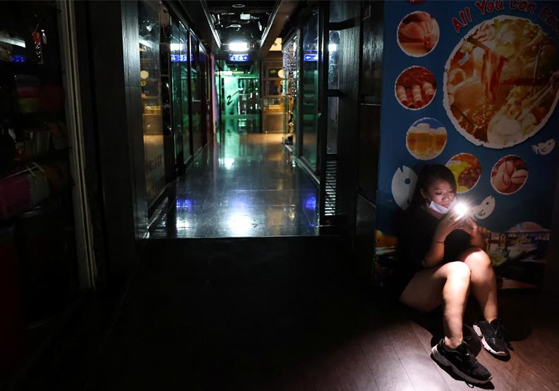 雙北、高雄接連無預警停電!2025年台灣限電「黑燈時代」到來?