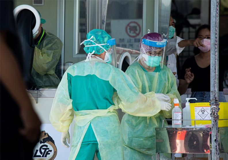 北部醫護人員為台灣守下了這一局,剩下的請民眾一起做好防疫措施,守住降級後的下半局。遠見池孟諭攝影