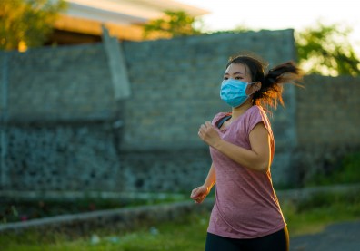 戴口罩運動可以嗎?重症醫師揭潛藏死亡風險