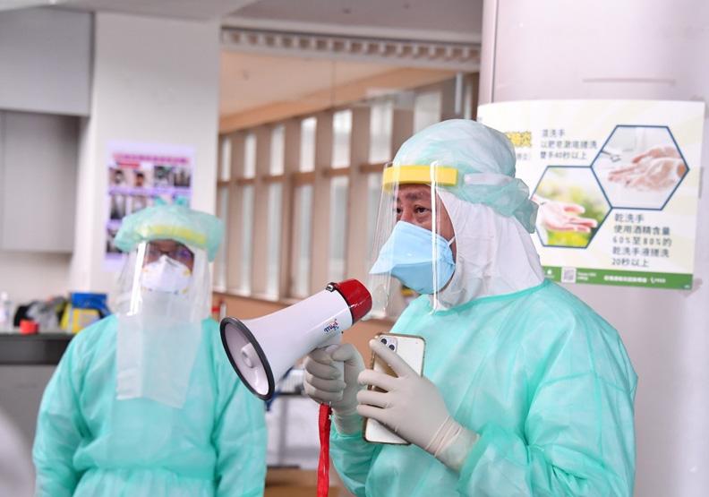 六都中新北醫病負擔最重!疫苗來之前,台灣醫療量能會崩潰嗎?