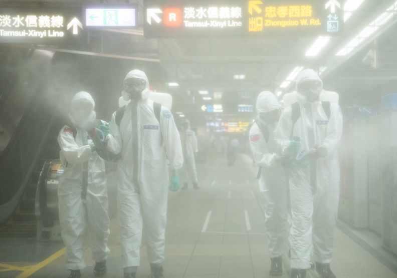 過去台灣面對世界疫情宛如平行時空,如今已實行全國三級警戒近一個月。遠見池孟諭攝影