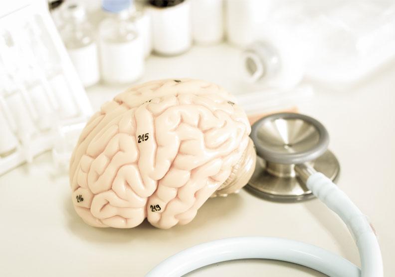 全球里程碑!第一個可延緩退化的阿茲海默症藥物終於被批准