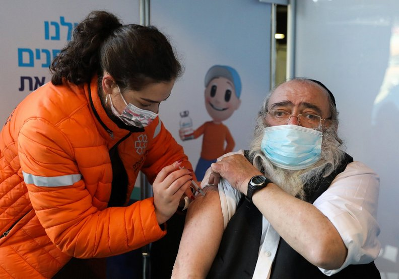 疫苗的施打非常普及,讓確診高達84萬的以色列漸漸化解危機。AFP