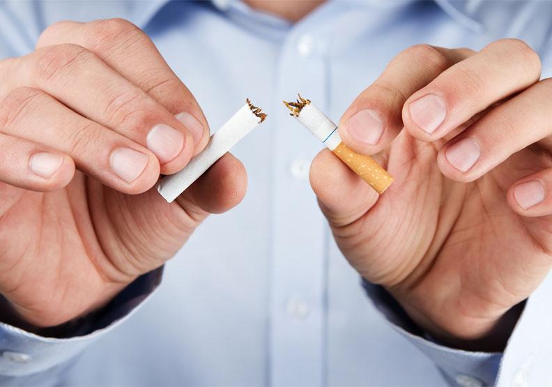 吸菸會使感染率增高、加重症狀?醫師呼籲:疫情下更需要戒菸