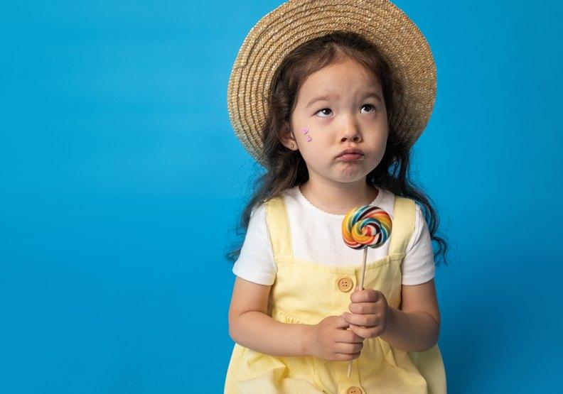 家長應盡量控制孩子吃甜食的量。pexels