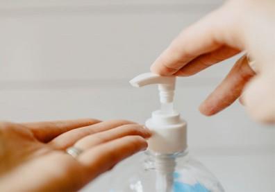 手部消毒液「克菌寧殺菌水溶液」含沉澱物!2萬瓶8/13前全數回收