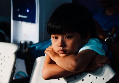 憂鬱症不是大人專屬疾病!「兒童憂鬱症」不同年齡,表現方式大不同