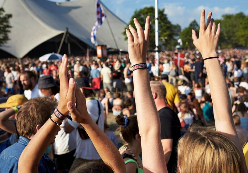 荷蘭年輕人參加音樂節。Klaus Vedfelt