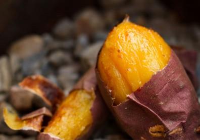 地瓜PK米飯!吃地瓜比吃白飯更健康嗎?營養師解答