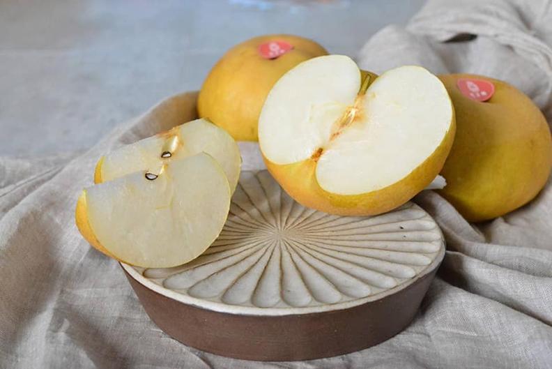 選用苗栗縣卓蘭地區享有水果王國美稱的新鮮水梨