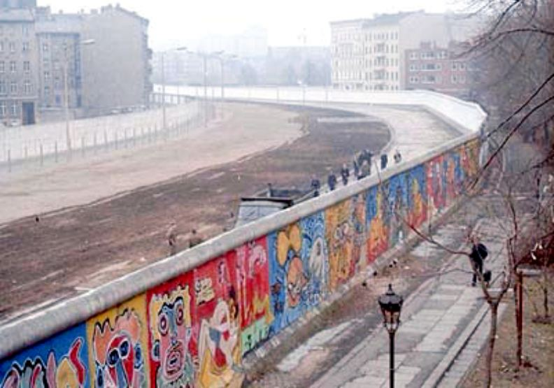 柏林圍牆,攝於1986年。圖片來自維基百科