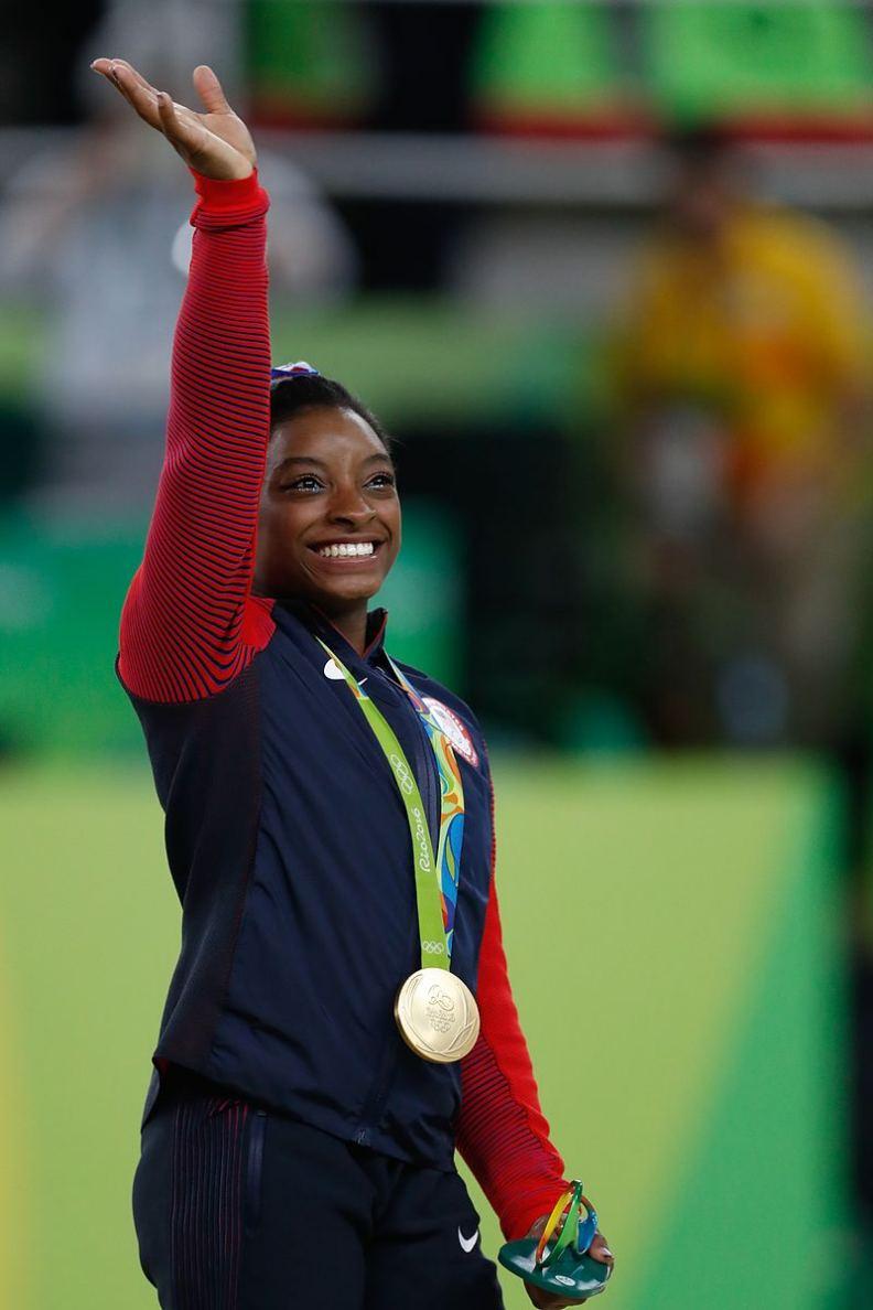 拜爾斯獲得2016年奧運會女子競技體操團體冠軍。圖片來自維基百科