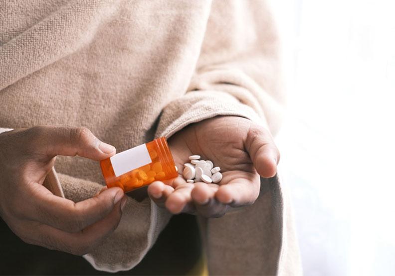 打疫苗後,狂吞普拿疼止痛?醫圖解「每日安全劑量」吃多恐喪命
