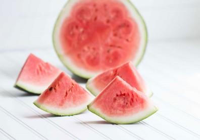 夏天吃西瓜超消暑!糖友、過敏族5大體質適合吃嗎?中醫師解答