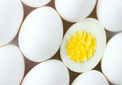 只吃蛋白不吃蛋黃?營養師揭營養好處,別把精華浪費了!