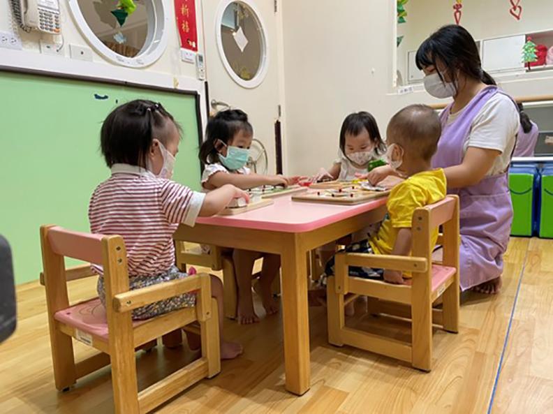 臺中市公托及家園明亮溫馨,提供孩子優質適齡的托育照顧。