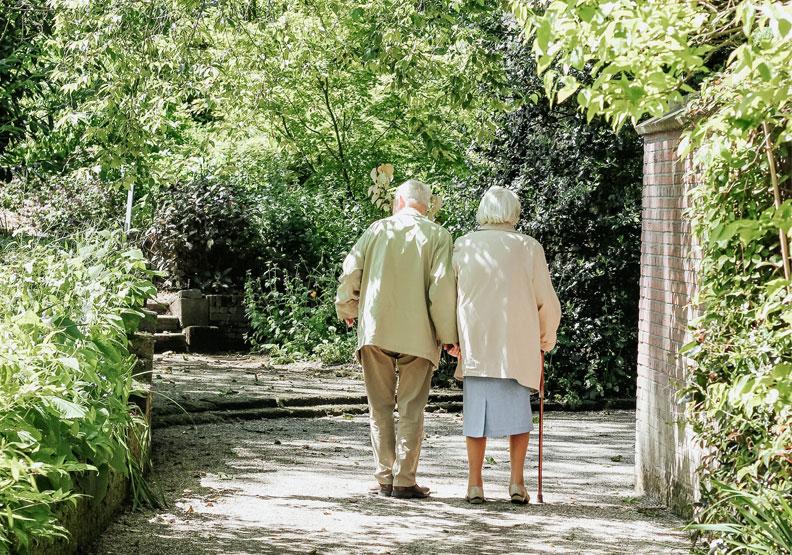 研究:人類有望活到130歲,理論上壽命無限制