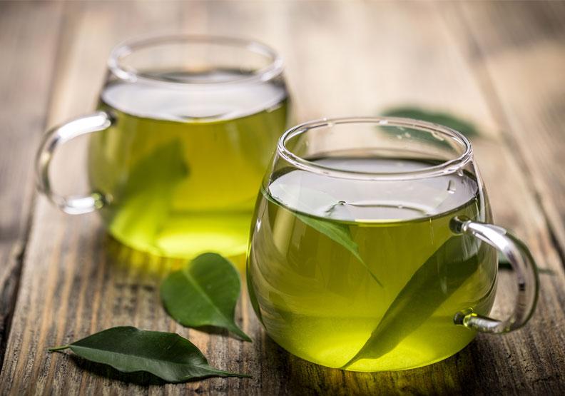 綠茶適合在烤肉趴結束後飲用。僅為情境配圖,取自shutterstock