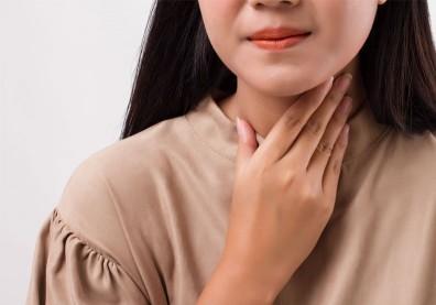 喉嚨痛誤當小感冒,忍一忍就過了?「扁桃腺周圍膿瘍」恐致命