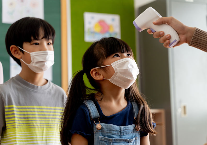 這一次受到Delta病毒感染的族群,反倒出現在「以兒童為主」的幼兒園上,僅為情境配圖。圖片來自shutterstock