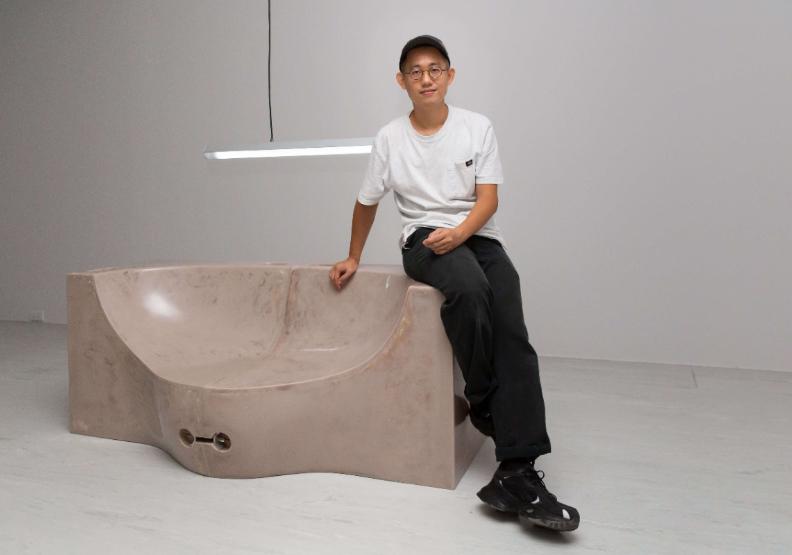 藝術家羅智信。台北市立美術館提供。
