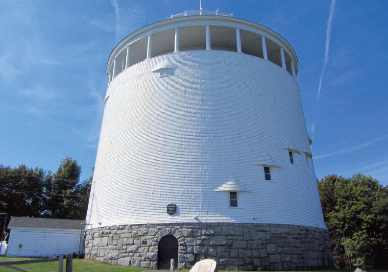 德利鎮儲水塔的詭異事件頻傳。出色文化提供。