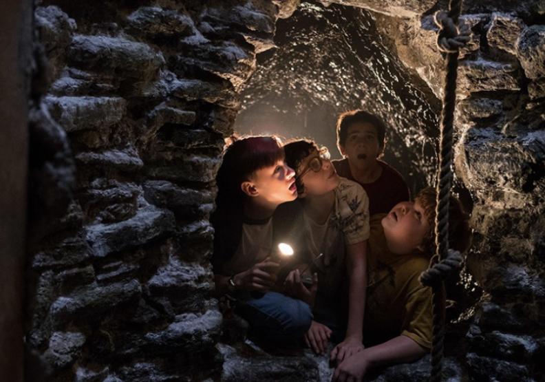 史蒂芬金筆下的「牠」真存在?德州老家神祕儲水塔成書迷朝聖地