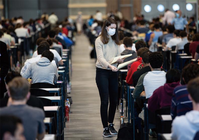大學生沒疫苗打、曝兩大風險,恐讓大學宿舍成防疫破口?