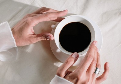 研究揭咖啡飲用量與健康關係!每天超過這杯數,增認知症、中風風險