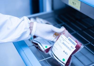新冠治療關鍵在痊癒者?印尼紅十字會:血漿療法可助9成重症患者康復