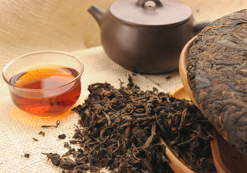 普洱茶適合搭配烤肉一起食用。僅為情境配圖,取自shutterstock