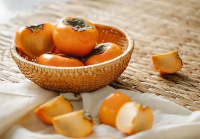 柿子能預防乾眼症!避免消化不良,熱量、血糖飆升這樣吃