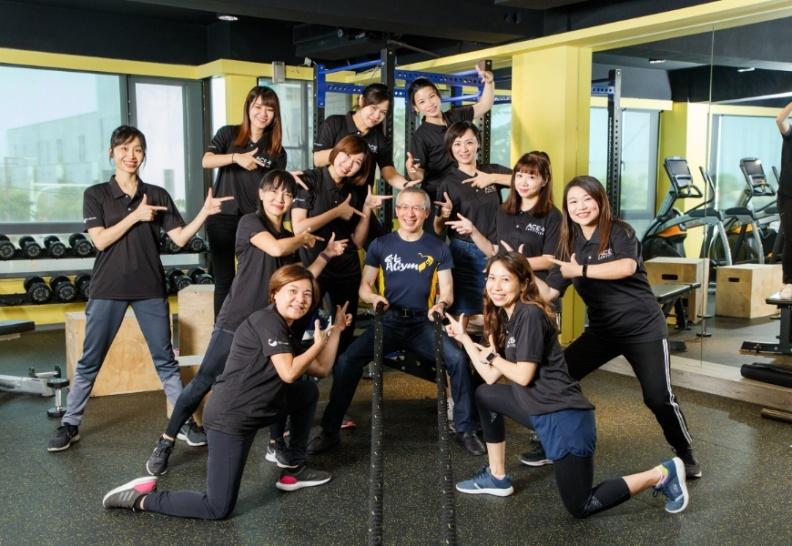游能俊的「能GYM健身房」,帶領病人和員工養成規律運動好習慣。游能俊提供